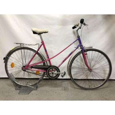 BTK Olympus egyedi festésű női városi bringa
